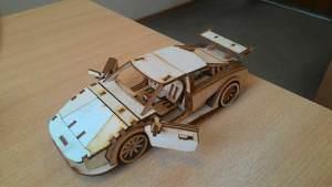 podelki iz fanery 5 300x169 - Использование фанеры ФК при изготовлении игрушек и сувениров